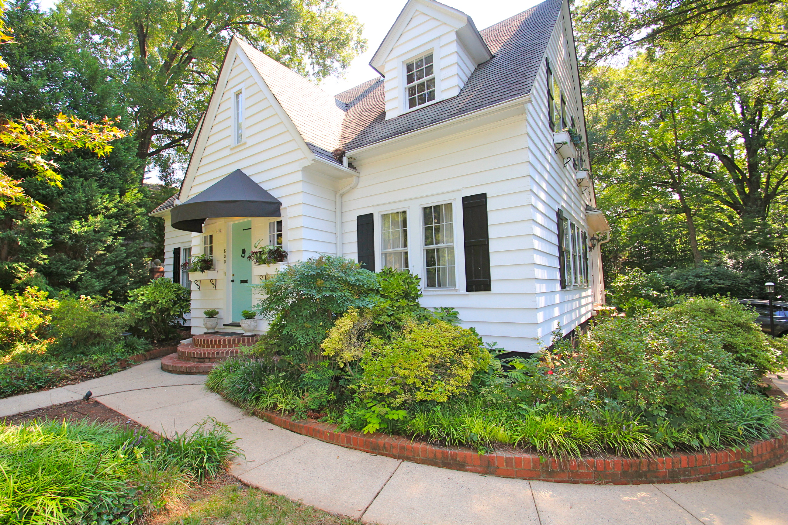 Just listed historic cottage featured in the midwood home Savvy home and garden
